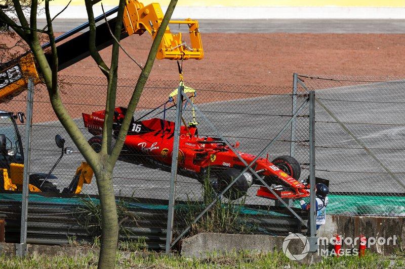 Además del toque con Max Verstappen al comienzo del GP de Singapur 2017, esta es la primera vez en la historia de la Fórmula 1 que dos pilotos de Ferrari abandonan por una colisión entre ellos: Vettel y Leclerc lo hicieron el domingo