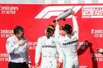 World Champion Lewis Hamilton, Mercedes AMG F1, race winner Valtteri Bottas, Mercedes AMG F1 and James Allison, Technical Director, Mercedes AMG celebrate on the podium