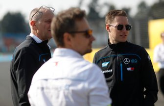 Stoffel Vandoorne, Mercedes Benz EQ on his track walk with members of the team