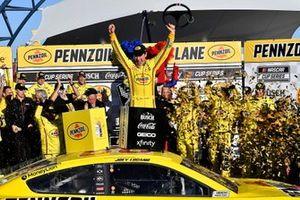 La vittoria di Joey Logano, Team Penske, Ford Mustang Pennzoil