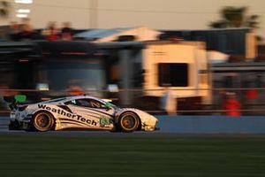 #63 Scuderia Corsa Ferrari 488 GT3: Cooper MacNeil, Toni Vilander, Jeff Westphal, Alessandro Balzan