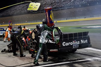 Grant Enfinger, ThorSport Racing, Ford F-150 Protect the Harvest/Curb Records, makes a pit stop