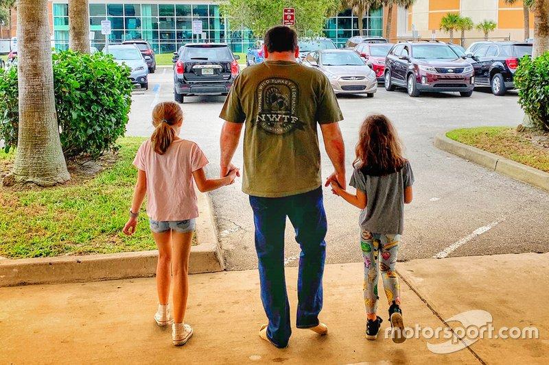 Ryan Newman, con sus hijas Brooklyn Sage, Ashlyn Olivia