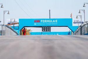 Señalización en el puente FIA ABB Formula-E