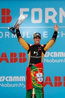 Antonio Felix da Costa, DS Techeetah holds up his trophy on the podium