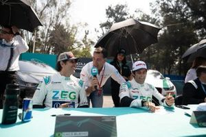 Cacá Bueno, ZEG iCarros Jaguar Brazil, Sérgio Jimenez, ZEG iCarros Jaguar Brazil siendo entrevistado en la sesión de autógrafos