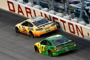 Michael McDowell, Front Row Motorsports, Ford Fusion Love's Travel Stops and Ricky Stenhouse Jr., Roush Fenway Racing, Ford Fusion John Deere