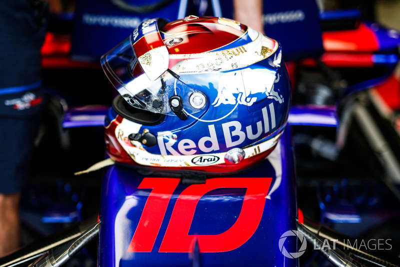 The helmet of Pierre Gasly, Toro Rosso STR13