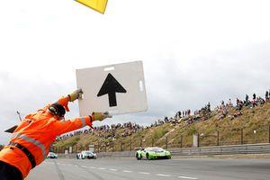 #19 GRT Grasser Racing Team Lamborghini Huracán GT3: Ezequiel Perez Companc, Franck Perera
