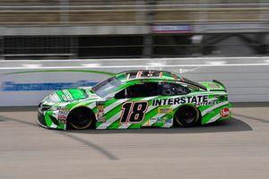 Kyle Busch, Joe Gibbs Racing, Toyota Camry Interstate Batteries