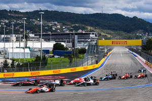 Рихард Версхор, MP Motorsport, и Джейк Хьюз, ART Grand Prix