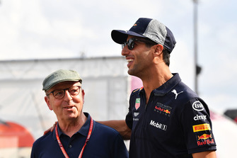 Daniel Ricciardo, Red Bull Racing and Eric Silberman, Scuderia Toro Rosso Press Officer
