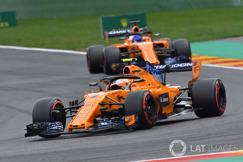 20: Stoffel Vandoorne, McLaren MCL33, (back of grid start)