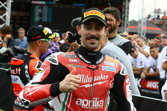 Eugene Laverty, Milwaukee Aprilia claims pole