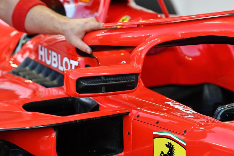 Ferrari SF71H detalle del espejo