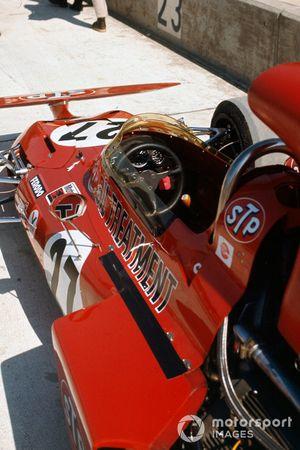 Cockpit et volant d'Andrea de Adamich, March 711 Alfa Romeo