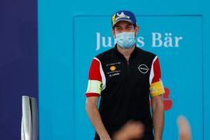 Un membro del team Nissan e.Dams sul podio