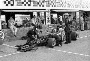 Emerson Fittipaldi, Lotus 72D, Dave Walker, el dueño del equipo Lotus Colin Chapman