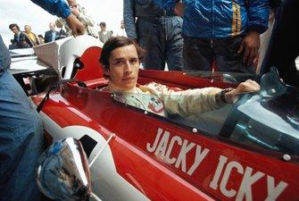 Jacky Ickx en pole position avec sa Ferrari 312B2