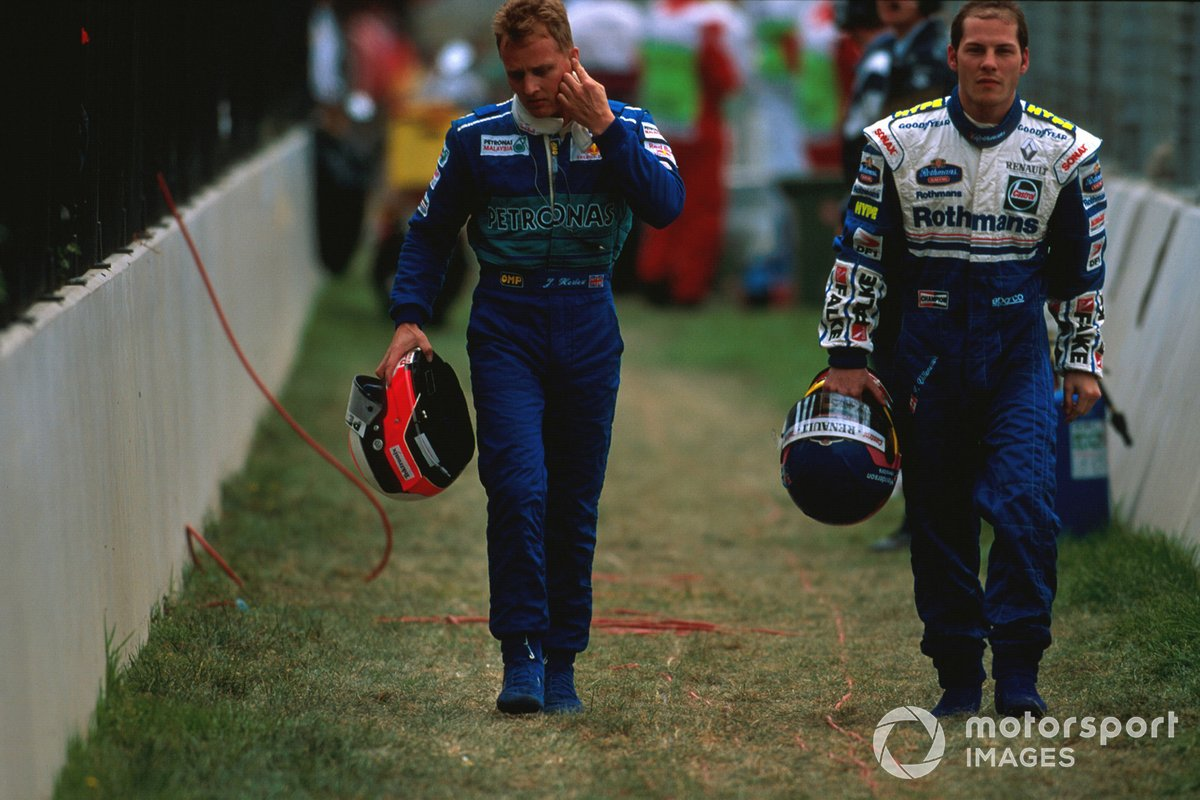 Jacques Villeneuve, Williams Renault regresa caminando con Johnny Herbert, Sauber
