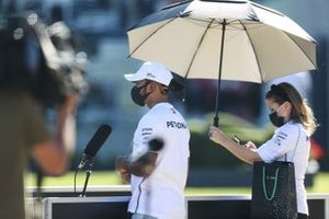 Lewis Hamilton, Mercedes-AMG F1 speaks to the media