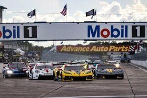 Start der GTLM-Klasse beim Cadillac Grand Prix von Sebring