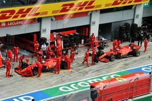 Sebastian Vettel, Ferrari SF1000, et Charles Leclerc, Ferrari SF1000