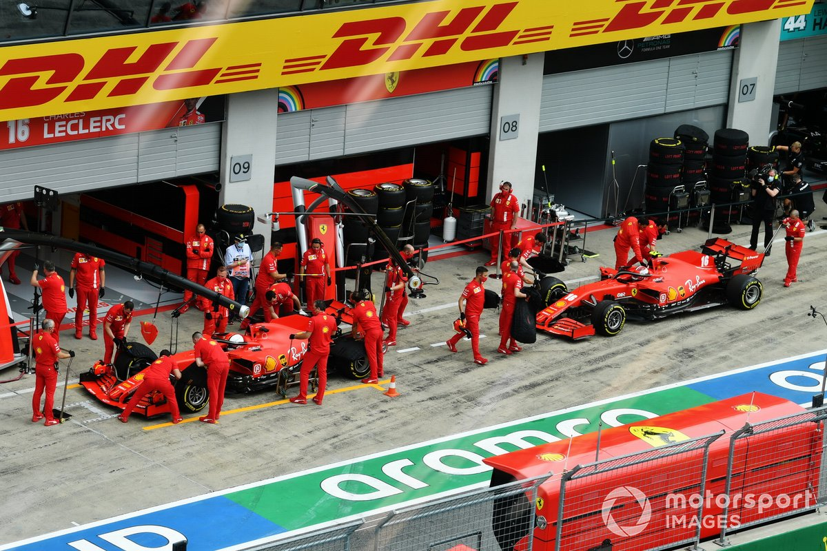 Sebastian Vettel, Ferrari SF1000, y Charles Leclerc, Ferrari SF1000