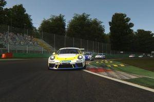 Azione in pista, Porsche Esports Carrera Cup Italia disputato a Monza