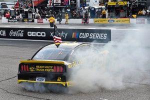 Ganador Brad Keselowski, Team Penske, Ford Mustang