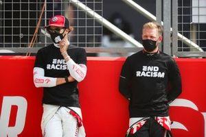 Antonio Giovinazzi, Alfa Romeo and Kimi Raikkonen, Alfa Romeo on the grid