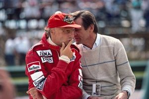 Niki Lauda, McLaren con el diseñador de motores Porsche Hans Mezger