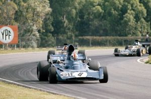 François Cevert, Tyrrell 006 Ford leads Emerson Fittipaldi, Lotus 72D Ford and Ronnie Peterson, Lotus 72D Ford
