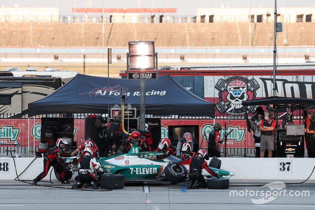 Tony Kanaan, A.J. Foyt Enterprises Chevrolet, in the pitlane