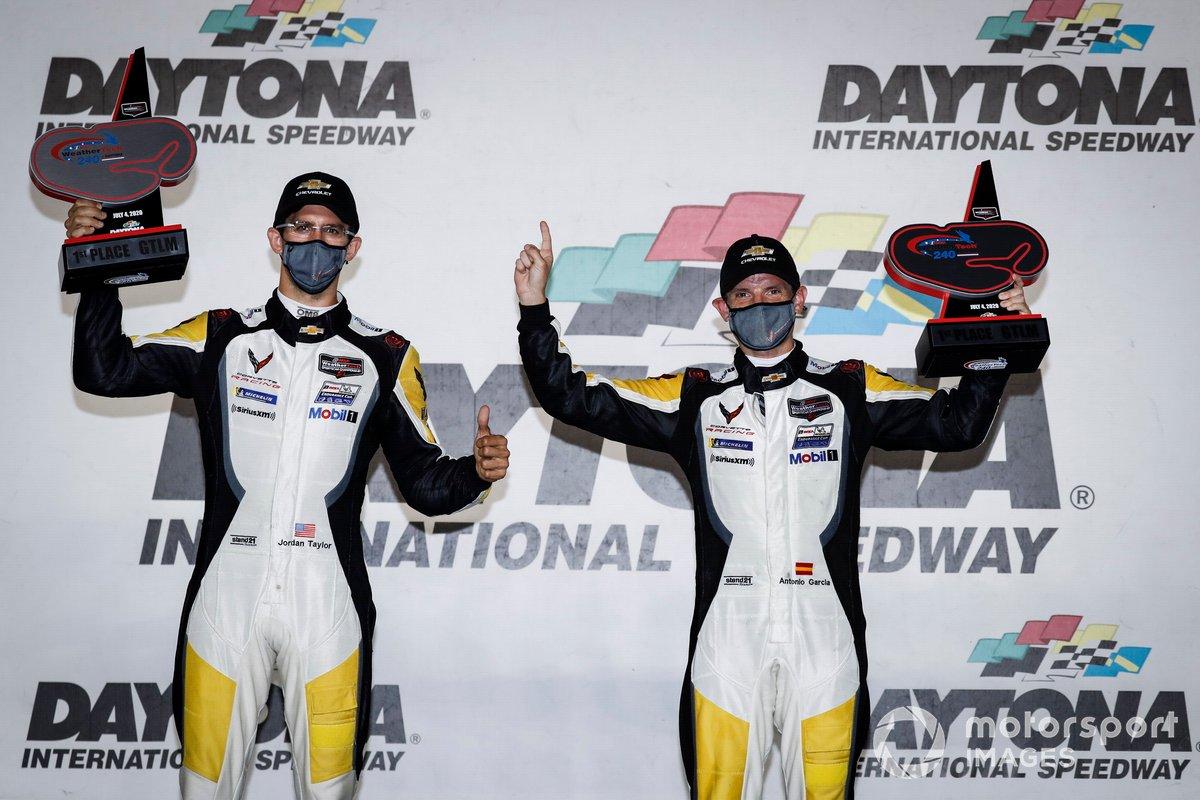 #3 Corvette Racing Corvette C8.R, GTLM: Antonio Garcia, Jordan Taylor, podio