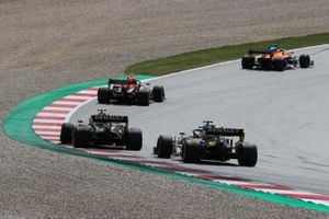 Carlos Sainz Jr., McLaren MCL35, leads Alex Albon, Red Bull Racing RB16, Esteban Ocon, Renault F1 Team R.S.20, and Daniel Ricciardo, Renault F1 Team R.S.20