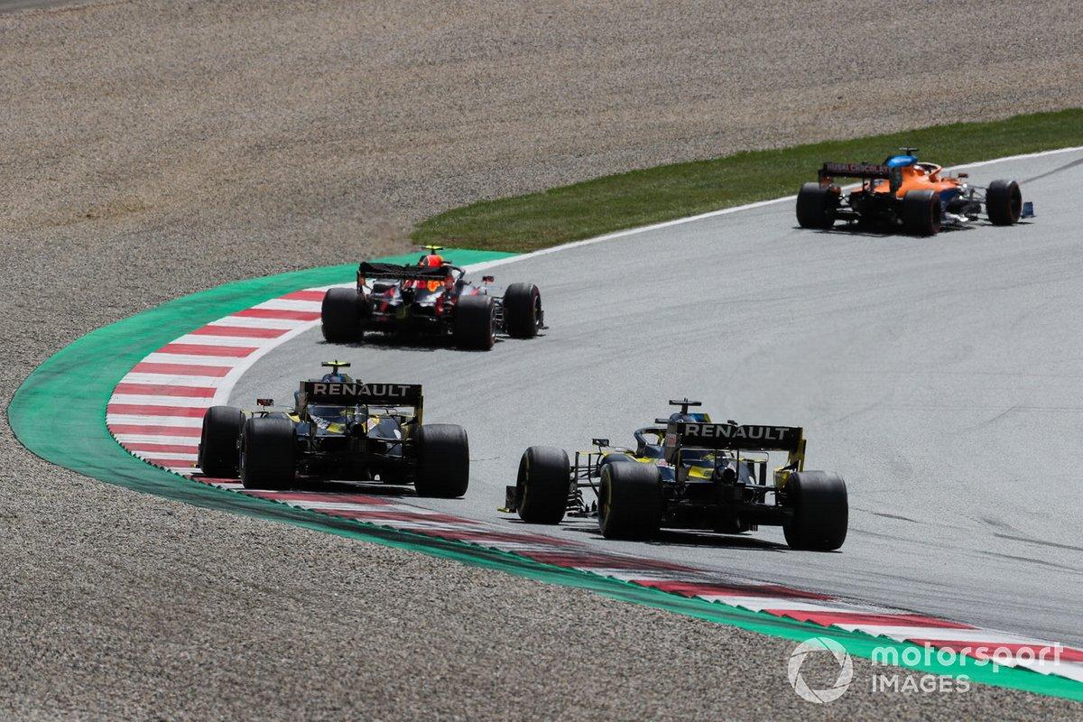 Carlos Sainz Jr., McLaren MCL35, Alex Albon, Red Bull Racing RB16, Esteban Ocon, Renault F1 Team R.S.20, Daniel Ricciardo, Renault F1 Team R.S.20