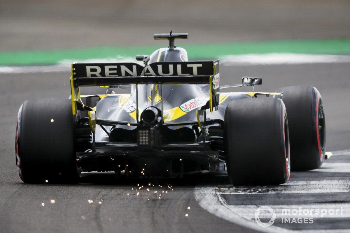 Daniel Ricciardo, Renault F1 Team R.S.20 saca chispas