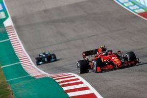 Carlos Sainz Jr, Ferrari SF21, Valtteri Bottas, Mercedes W12
