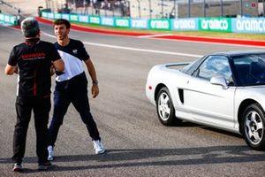 Pierre Gasly, AlphaTauri, and Masashi Yamamoto, General Manager, Honda Motorsport