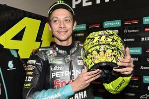 Valentino Rossi, Petronas Yamaha SRT, présente son casque spécial