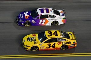 Michael McDowell, Front Row Motorsports, Ford Mustang Love's Travel Stops Denny Hamlin, Joe Gibbs Racing, Toyota Camry