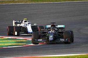 Lewis Hamilton, Mercedes F1 W11, Nicholas Latifi, Williams FW43