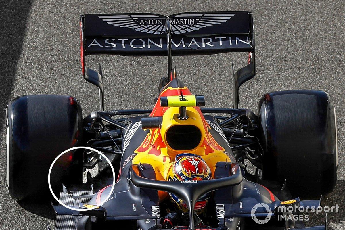 Detalle del fondo plano del coche de Alex Albon, Red Bull Racing RB16