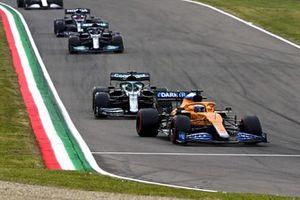 Daniel Ricciardo, McLaren MCL35M, Lance Stroll, Aston Martin AMR21, Lewis Hamilton, Mercedes W12, Yuki Tsunoda, AlphaTauri AT02, and Kimi Raikkonen, Alfa Romeo Racing C41