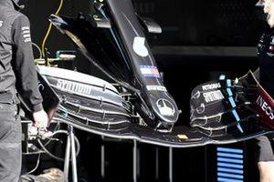 Переднее крыло Mercedes F1 W11