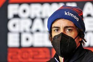Фернандо Алонсо, Alpine F1, на пресс-конференции