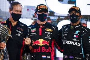 Paul Monaghan, Chief Engineer, Red Bull Racing, Max Verstappen, Red Bull Racing, 1st position, and Lewis Hamilton, Mercedes-AMG F1, 3rd position, on the podium