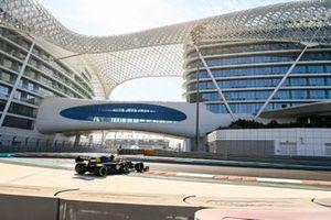 Guanyu Zhou, Renault F1 Team R.S.20 spins