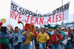 Jean Alesi, Ferrari fans celebrate his 4th position